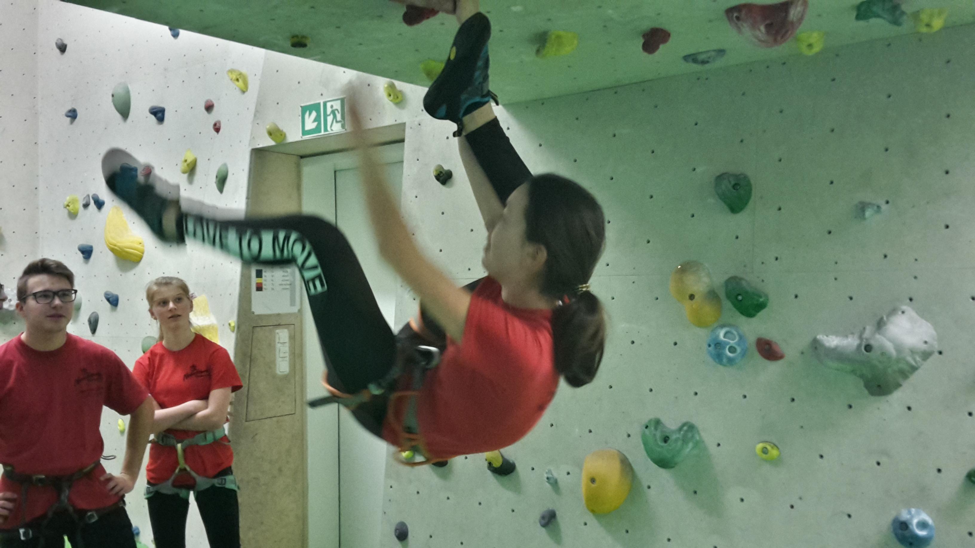 Indoorklettern-Klettertraining der Gruppe 2 ROT: 18:00 Uhr – 19:30 Uhr