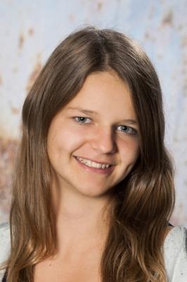 Nina Hartl